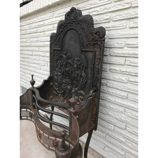 English Traditional Cast Iron Coal Fireback For Sale - Image 3 of 7