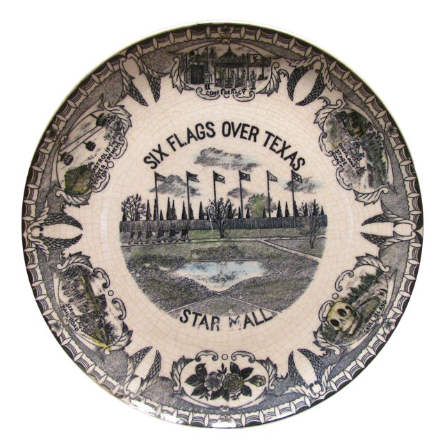 Six Flags Over Texas Plate, C. 1960 For Sale
