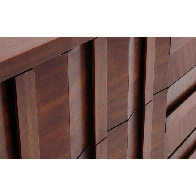 Brown Lane Sculptural/Brutalist Nine-Drawer Walnut Dresser For Sale - Image 8 of 9