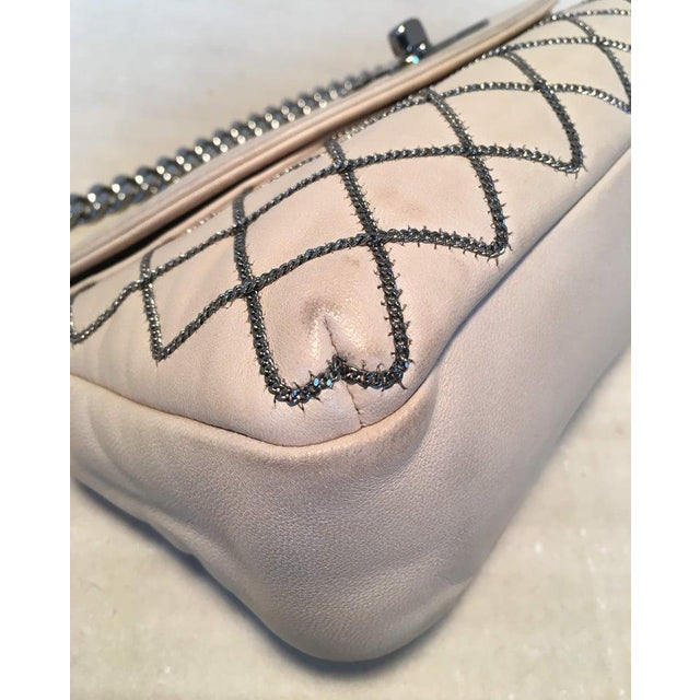 White Chanel Beige Leather Gunmetal Chain Quilted Classic Flap Shoulder Bag For Sale - Image 8 of 13