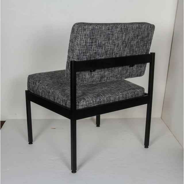 1970s Pair of Mid-Century Modern Easy Chairs in the Style of Florence Knoll For Sale - Image 5 of 8