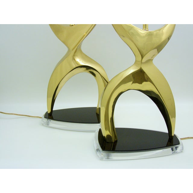 Mid-Century Modern Brass Black Lucite Abstract Figural Table Lamps Inspired by Phillipe Jean MCM - a Pair Millennial For Sale In Miami - Image 6 of 11