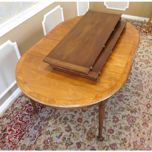 Brown 1980s Banded Walnut & Elm Dining Room Table W/ 2 Leaves For Sale - Image 8 of 10
