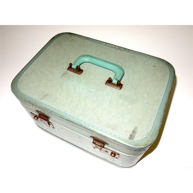 Pair of Mid 20th Century Luggage Set For Sale In Dallas - Image 6 of 13