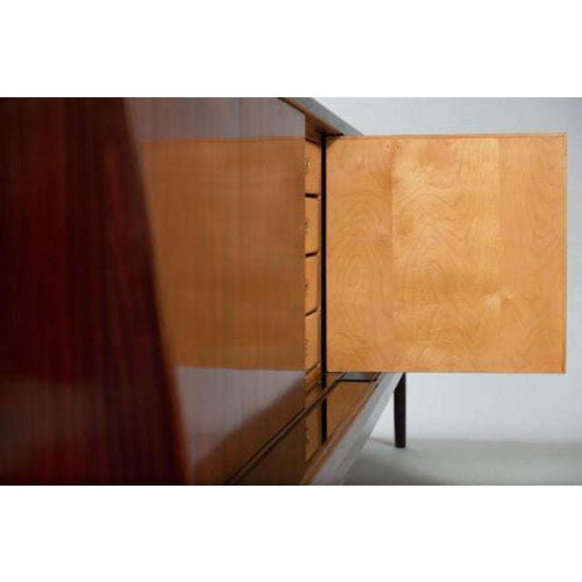 Vittorio Dassi Dassi Style Mid-Century Sideboard in Rosewood and Glass, Italy circa 1955 For Sale - Image 4 of 10