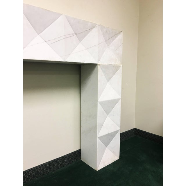 1960s Brutalist Style Mantel in Carrara Marble in Style of De Coene Frères For Sale In Dallas - Image 6 of 9