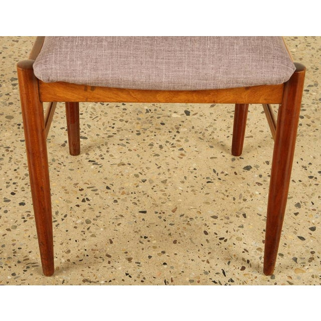 1960s Set of Six Mid-Century Modern Dining Chairs For Sale - Image 5 of 6