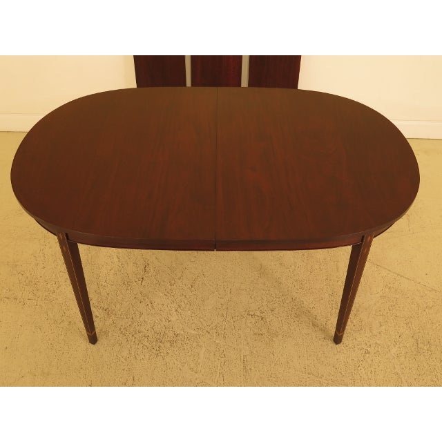 HENKEL HARRIS Inlaid Federal Mahogany Dining Room Table Age: C.1984 Details: #29 Finish Mahogany Tapering Legs High...