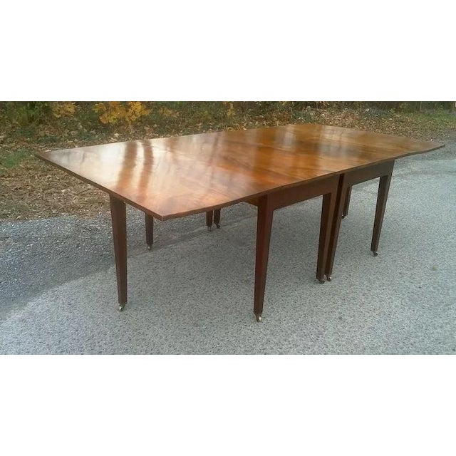 Federal Mahogany Hepplewhite Banquet Dining Table For Sale - Image 4 of 11