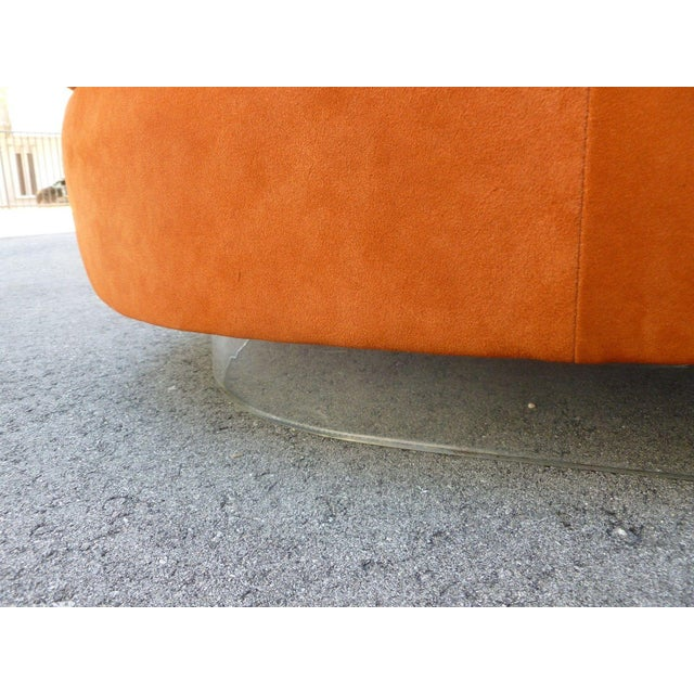 Orange 70's Mod Italian Suede and Lucite Chaise For Sale - Image 8 of 11