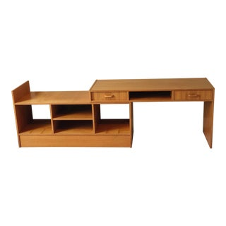 1960s Vintage Danish Mid-Century Modern Expandable Teak Bookshelf For Sale