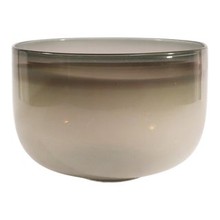 Guggisberg Baldwin Nonfoux White & Grey Glass Bowl For Sale