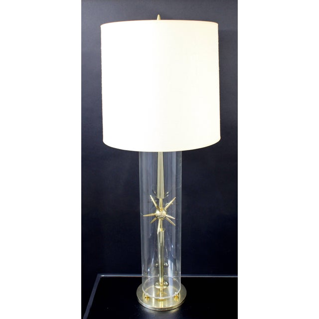 1950s Mid-Century Modern Mutual Sunset Co. Sputnik Atomic Glass & Brass Table Lamp For Sale - Image 9 of 10