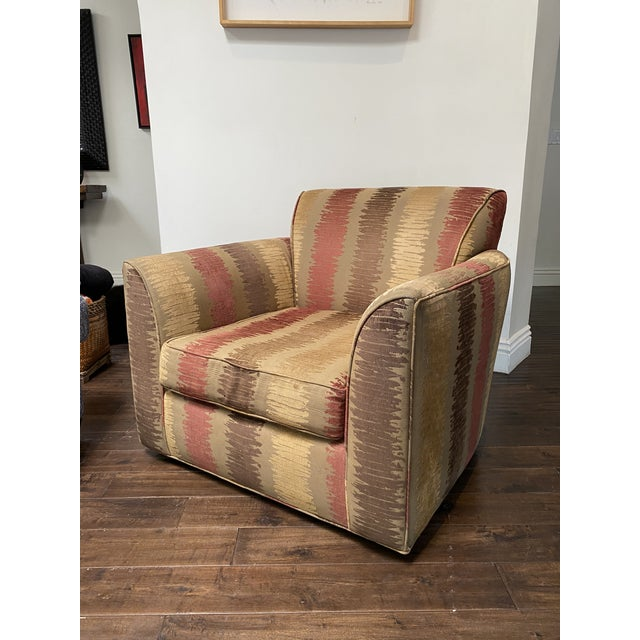 Vintage Contemporary Swivel Chair For Sale In Los Angeles - Image 6 of 8