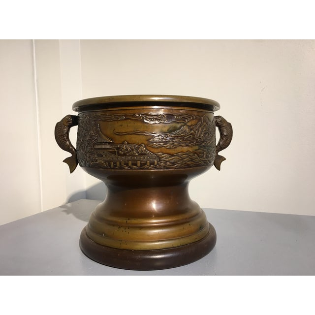 A gorgeous Japanese Meiji Period cast bronze hibachi. Originally used as a hand warmer, now perfect for use as a planter...