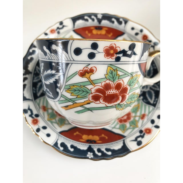 1960s 1960s Porcelain Imari Style Gilt Hand Decorated Dinner Service - Set of 48 For Sale - Image 5 of 9