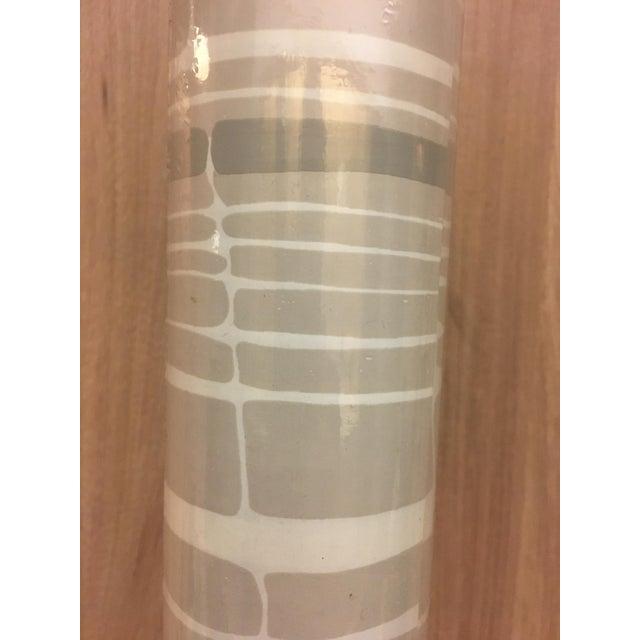 2010s Florence Broadhurst Tortoiseshell Stripe Wallpaper in Beige/Cream For Sale - Image 5 of 7