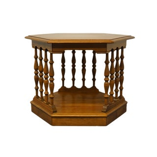 20th Century Traditional Ethan Allen Heirloom Nutmeg Maple Colonial Style Hexagonal Accent Table For Sale