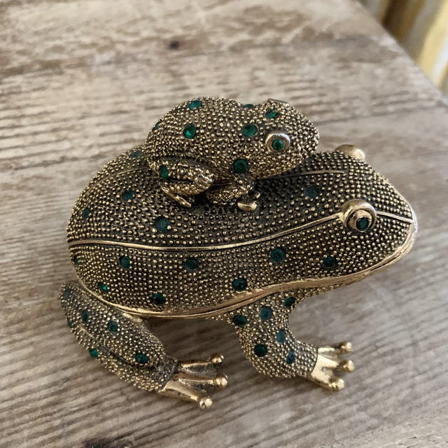 Contemporary Bejeweled Gold Frog Paperweight and Desk Accessory Set For Sale - Image 3 of 11