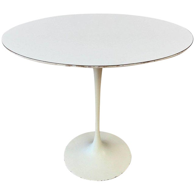 Early Eero Saarinen For Knoll Pedestal Collection Oval Side Table - Knoll pedestal table