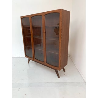 1960s Mid Century Walnut Bookshelf Preview