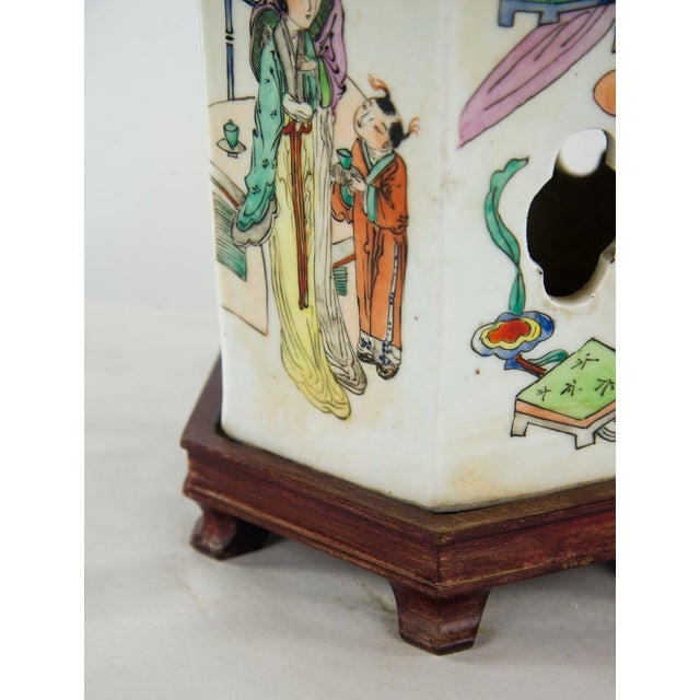 Chinoiserie Ginger Jar Table Lamp For Sale - Image 10 of 13