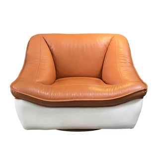 1970s Vintage Paragon Co. 2 Tone Leather Swivel Lounge Chair For Sale