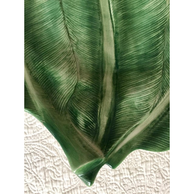 """Italian 19"""" Hand-Painted Banana Leaf Platter For Sale In New York - Image 6 of 10"""