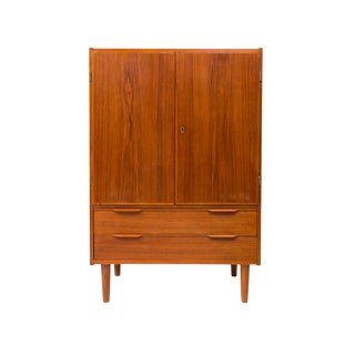 Vintage Danish Mid-Century Modern Teak Hutch/Media Cabinet For Sale