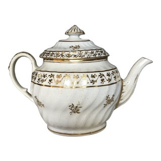 Late 18th Century Chamberlain Teapot For Sale