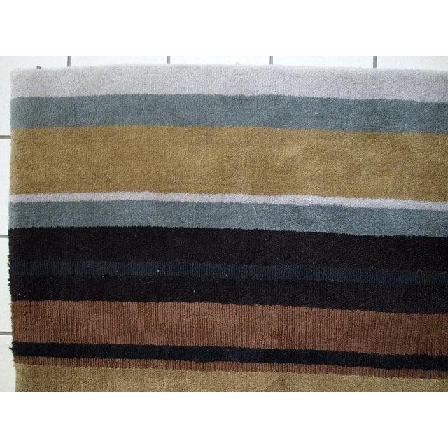 1980s handmade vintage Indian Modern rug 5.6' x 7.9' For Sale - Image 9 of 10