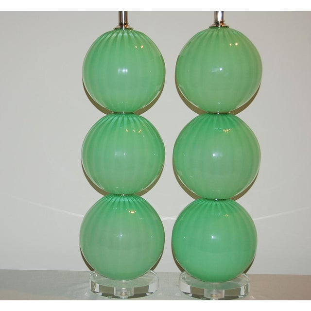 2000 - 2009 Joe Cariati Hand Blown Glass Ball Table Lamps Green For Sale - Image 5 of 10