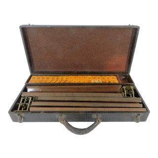 Mid Century Butterscotch Mahjong Game Set in Alligator Case, 5 Wood Racks For Sale