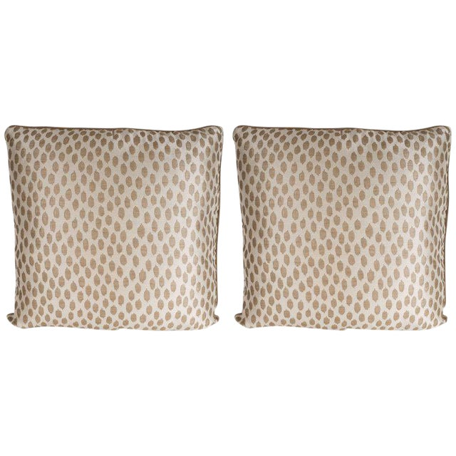 Pair of Modernist Square Pillows in Ecru and Muted Gold Tones with Piping Detail For Sale