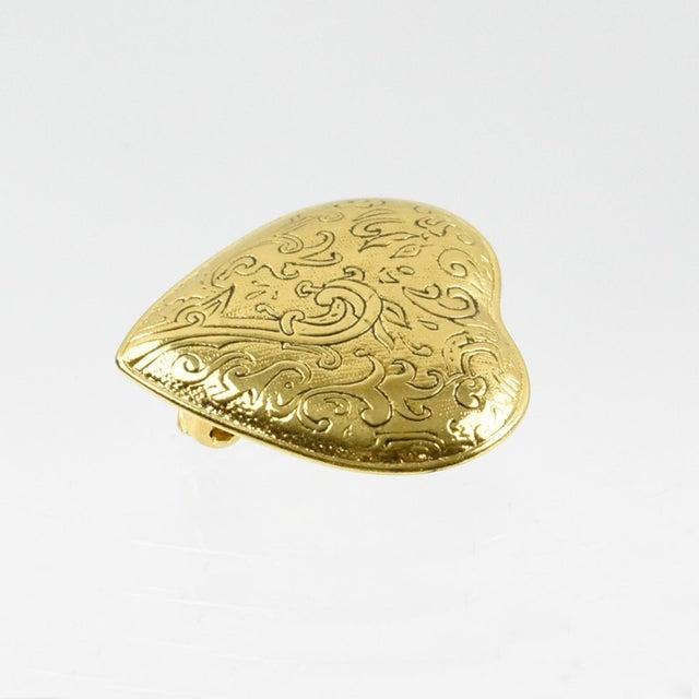 Yves Saint Laurent Paris Signed Clip on Earrings Gilt Metal Heart For Sale In Atlanta - Image 6 of 7