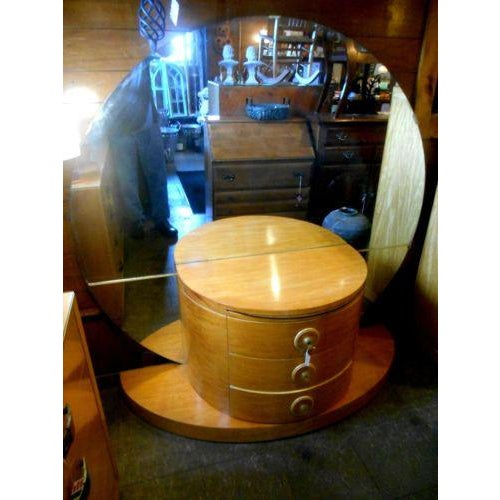 Art Deco 1930's Vintage Art Deco Vanity Table With Moon Mirror For Sale - Image 3 of 10
