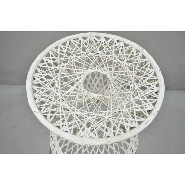 """Russell Woodard Vintage Russell Woodard Spun Fiberglass Woven 18"""" Accent Side Table For Sale - Image 4 of 9"""