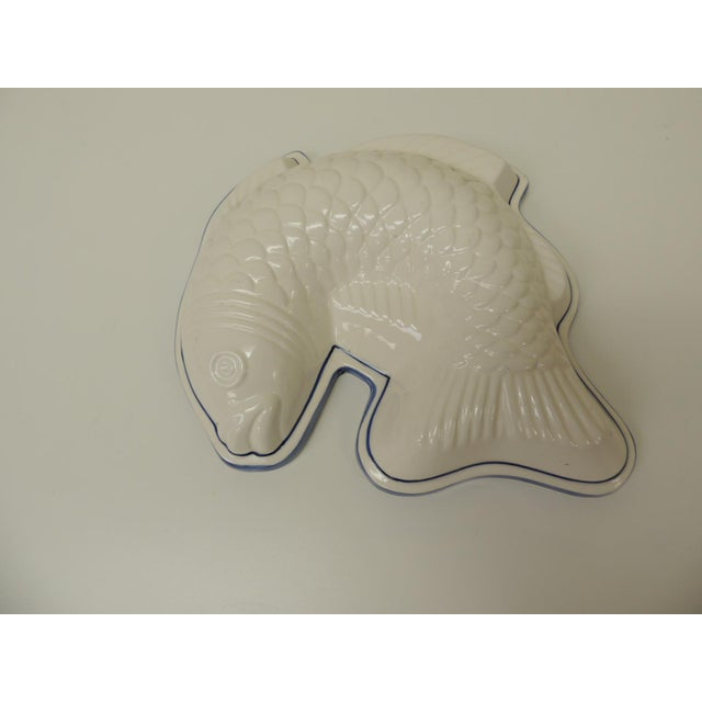 Vintage Blue and White Ceramic Wall Decorative Fish Mold For Sale In Miami - Image 6 of 6