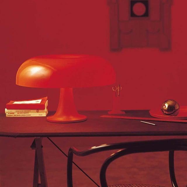 Mid-Century Modern Giancarlo Mattioli 'Nesso' Table Lamp in Orange for Artemide For Sale - Image 3 of 5
