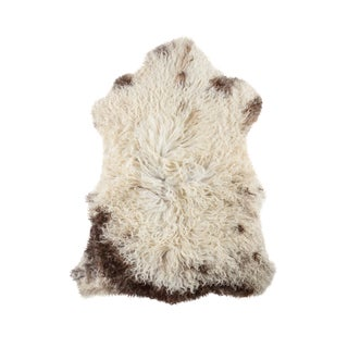 "Contemporary Handmade Wool Sheepskin Pelt - 2'5""x3'4"""