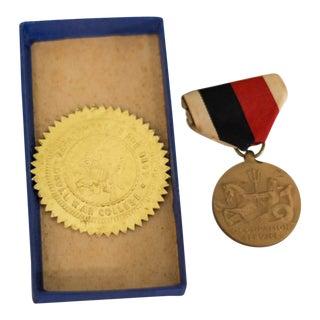 Vintage United States Navy World War II Medal