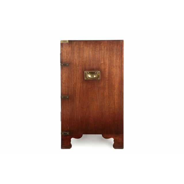 English Campaign Style Brass and Mahogany Side-by-Side Cabinet, 20th Century For Sale - Image 4 of 11
