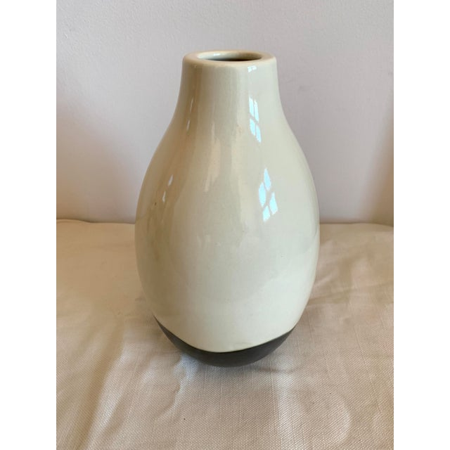 Contemporary Black and White Ceramic Vase For Sale - Image 4 of 7