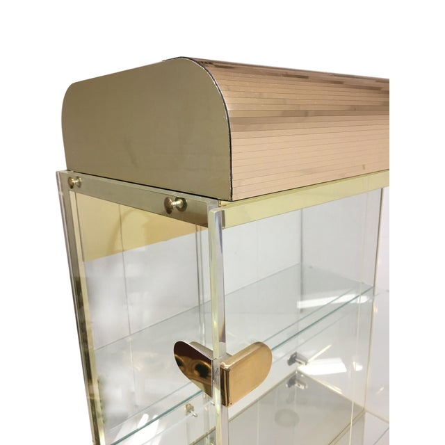 Mid Century Lucite and Brass Display Cabinet With Drawer For Sale In New York - Image 6 of 7