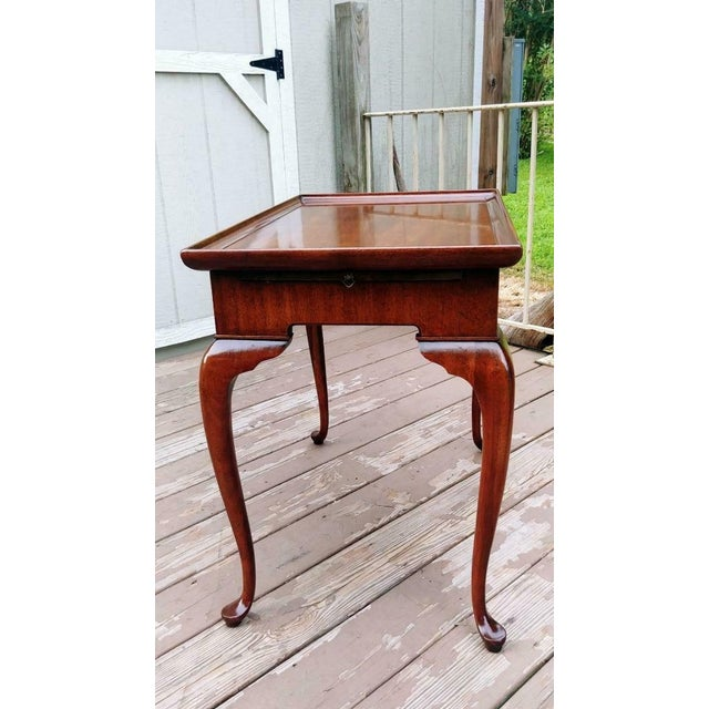 1950s Vintage Traditional Brandt Mahogany Tea Table For Sale - Image 5 of 13