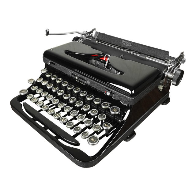 Refurbished 1930s Vintage Royal Glossy Black Model O (Model A) Portable Typewriter For Sale