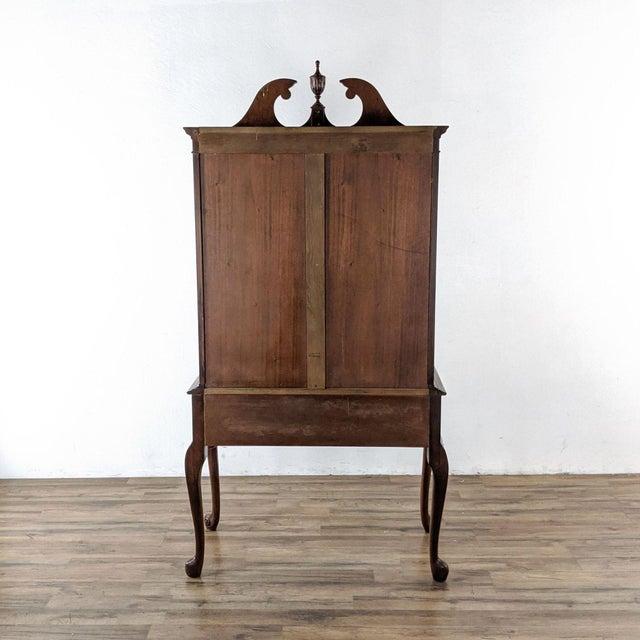 1920s Berkey & Gay Mahogany China Cabinet For Sale In San Francisco - Image 6 of 8