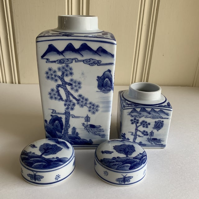 Asian Chinoiserie Blue & White Ceramic Canisters, Set of Two For Sale - Image 4 of 10
