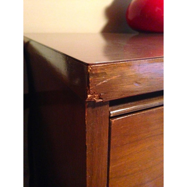 Mid Century Modern 4 Drawer Tallboy Dresser - Image 5 of 5