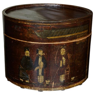 Late 19th Century Chinese Hand-Painted Round Wooden Hat Box For Sale